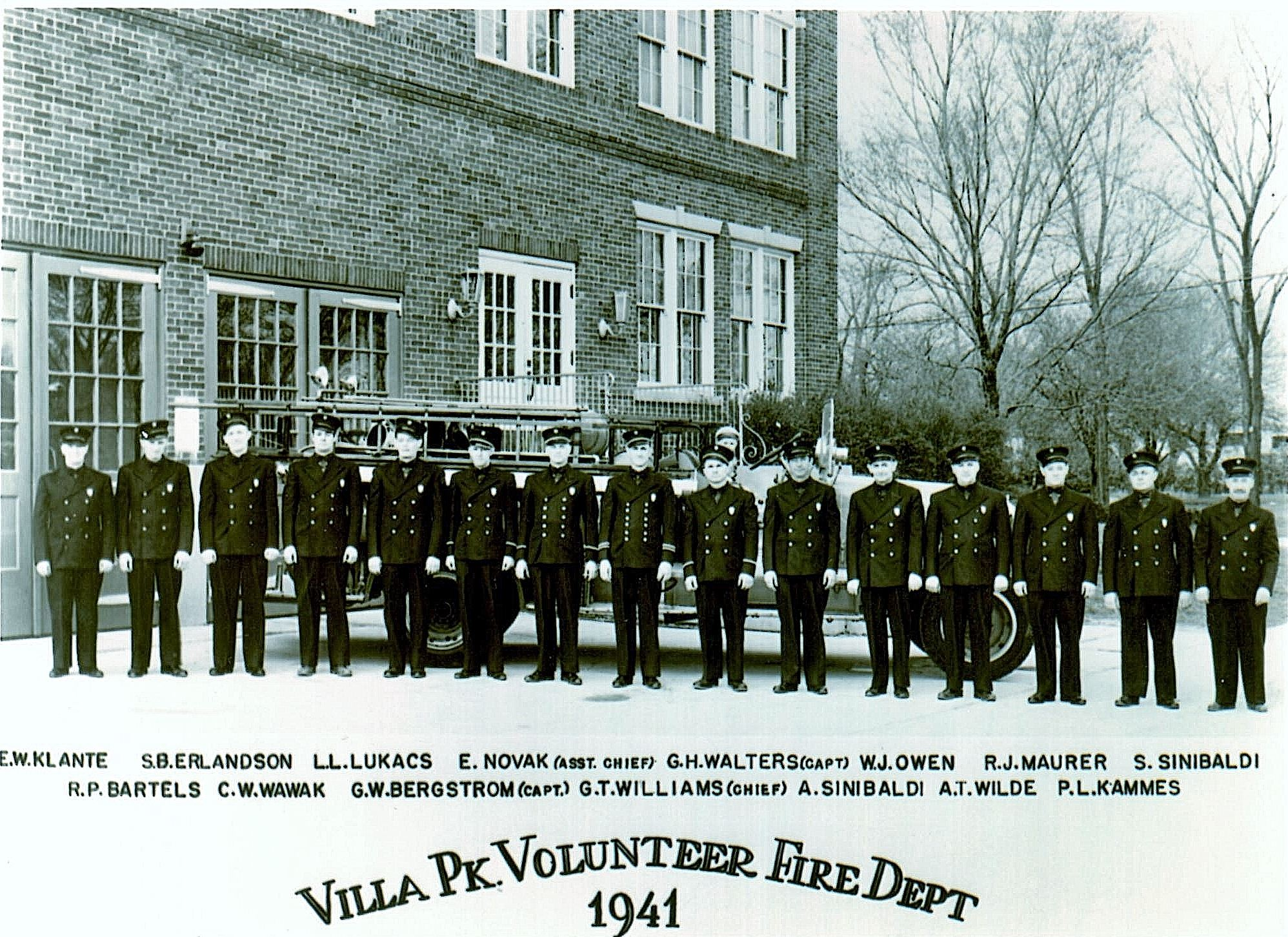 Villa Park Volunteer firefighters pose for photo in 1941.